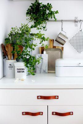 kitchen leather handles DIY