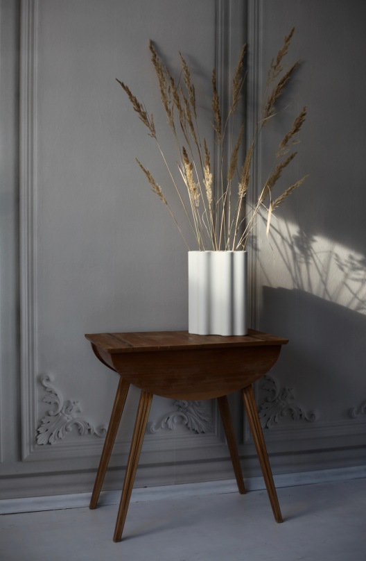 French Panels Wallpaper and Vitra Nuage Vase