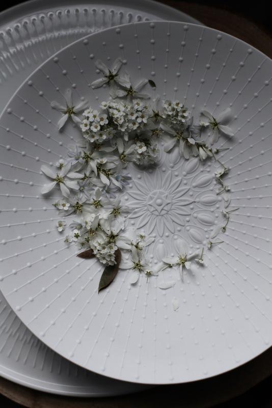 flatlay spring wreath via anastasiabenko.com
