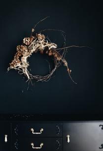 dried hydrangea wreath via anastasiabenko.com