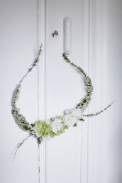 white spring wreath via anastasiabenko.com