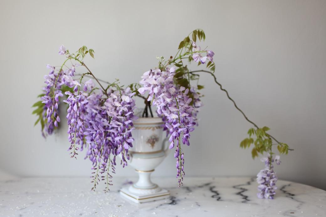 Wisteria DIY floral arrangement/& stylist Anastasia Benko
