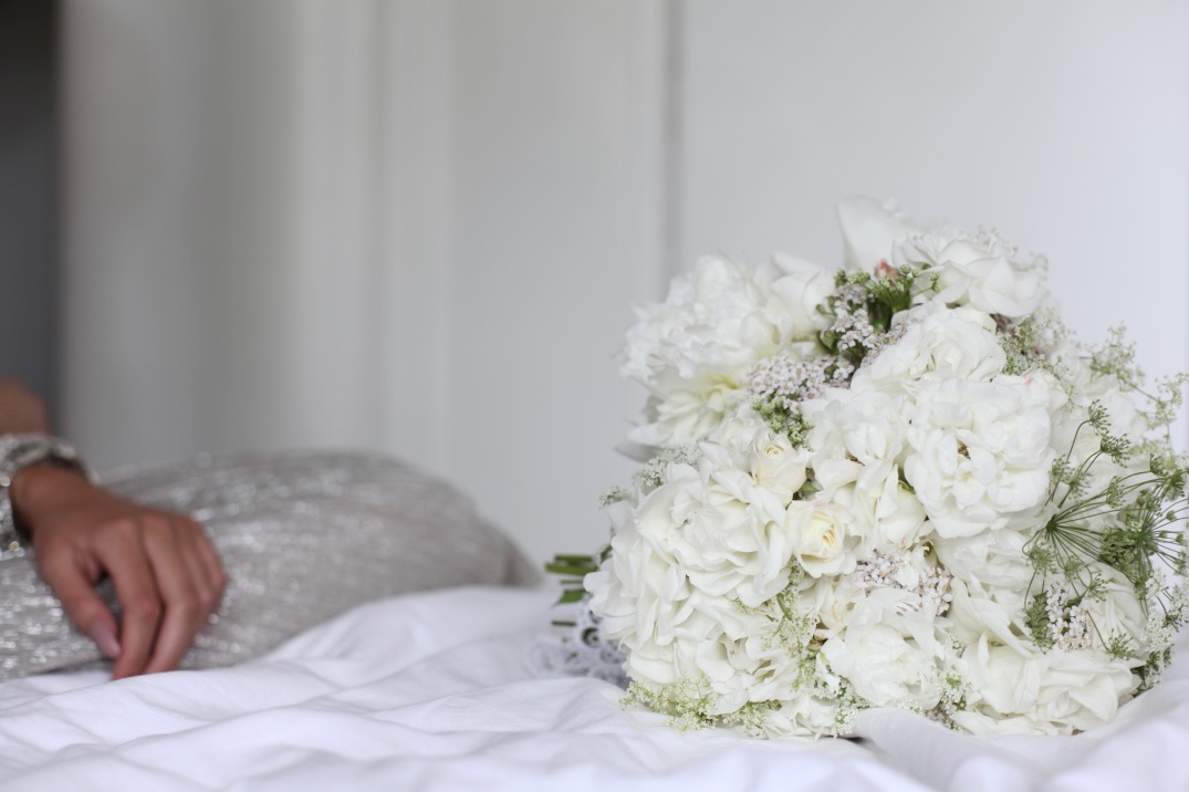 perfect wedding inspiration - white floral arrangement with roses, peonies, yarrow, Queen Anne's lace