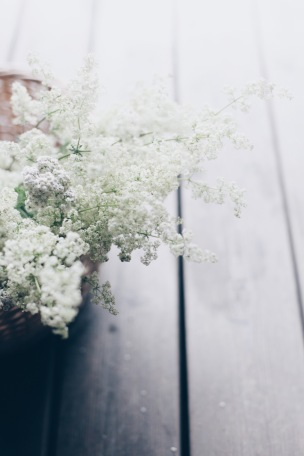 rustic natural floral arrangement with yarrow and bedstraw