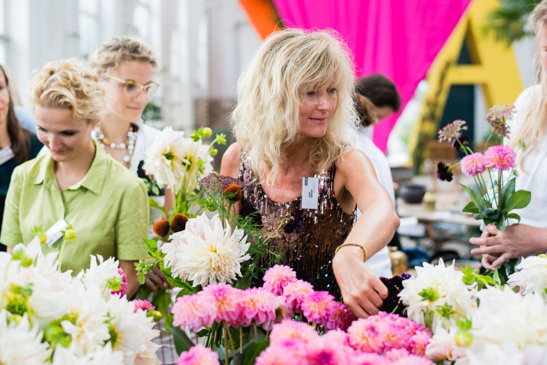 Gudy Herder at flower workshop of Anastasia Benko at the Botanical Garden in Munich