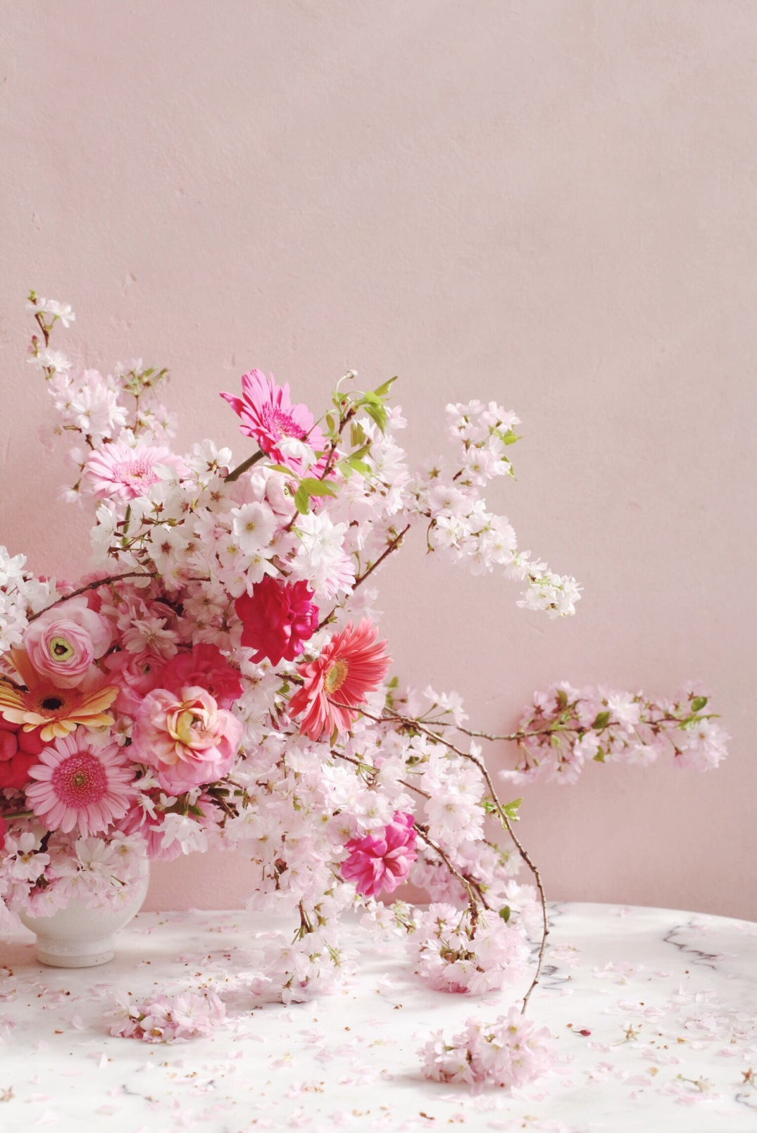 Easy Spring Arrangement with Cherryblossoms