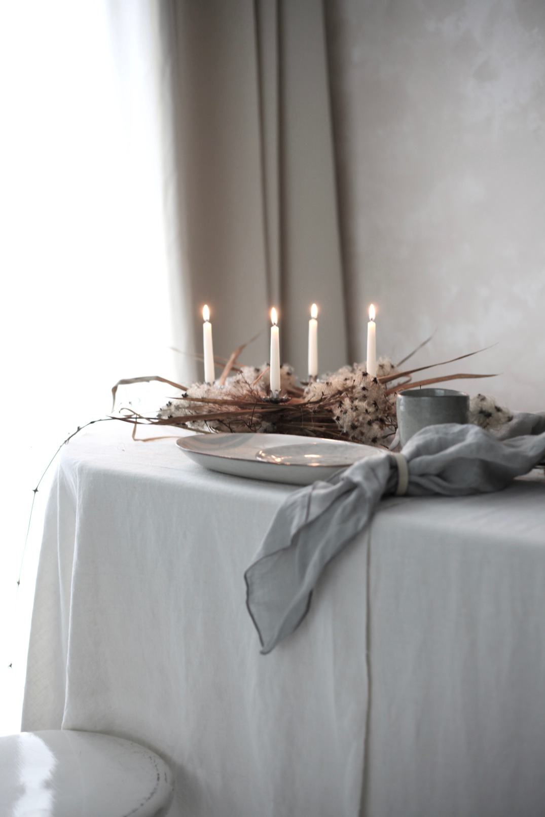 Easy Christmas DIY with dried Clematis - tone on tone Christmas interior decoration