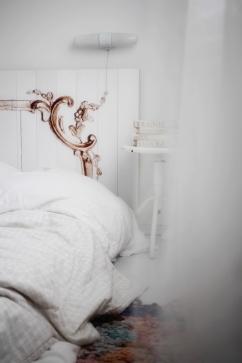 NACHHER: das Foto wurde auf Holz gedruckt und als Bettkopfteil angebracht