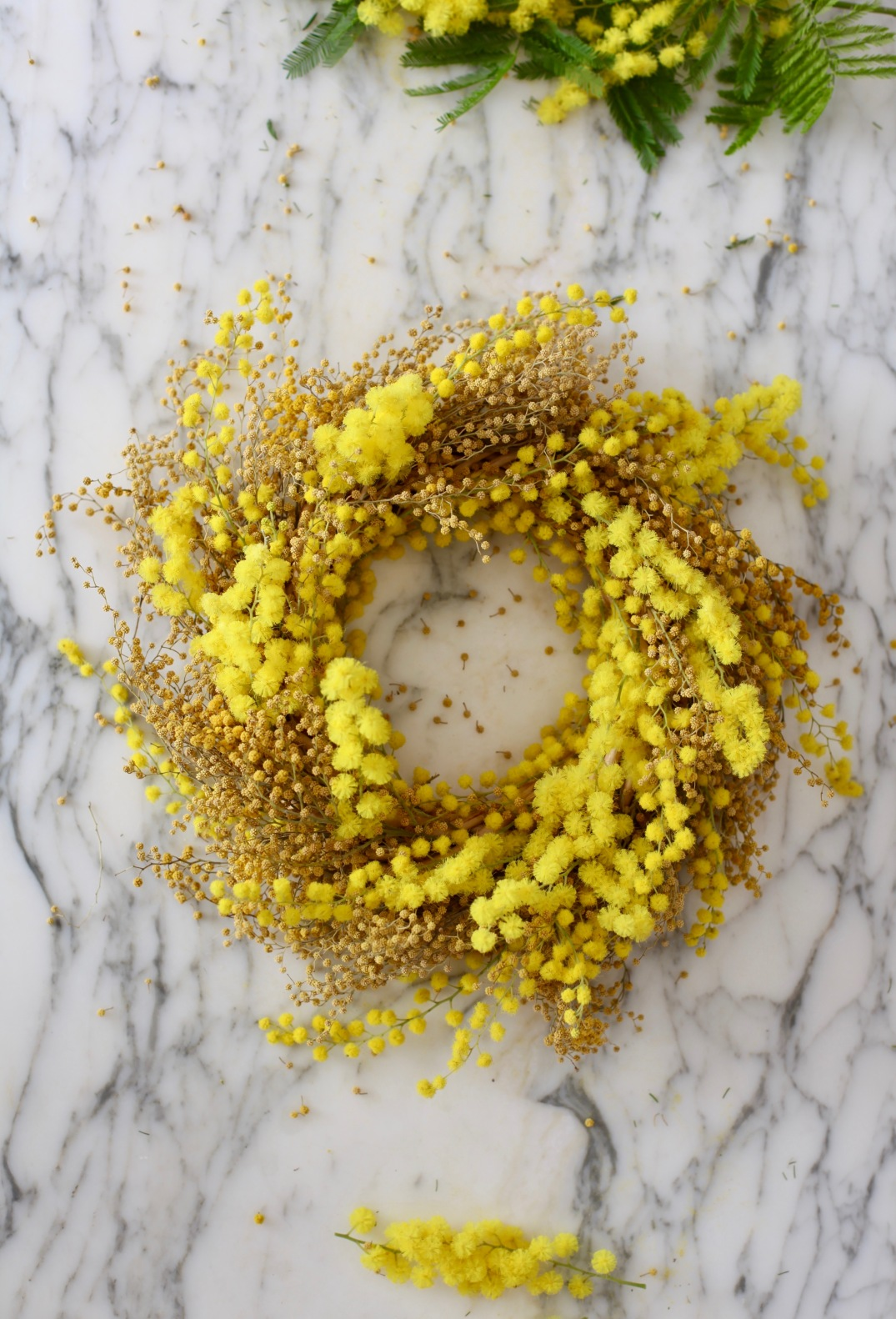DIY mimosa wreath