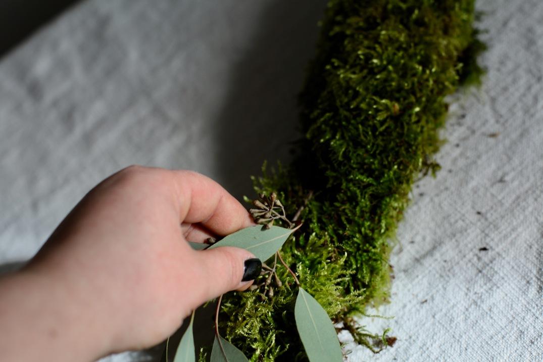 DIY Moosgirlande mit Eukalyptus