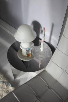 HAY SLIT table, Vintage Peil und Putzler Leuchte, die perfekten Nachbarn für den Barcelona Chair von Knoll